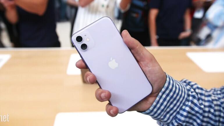 애플이 작정하고 만든 가성비폰…아이폰 11 실물 영상