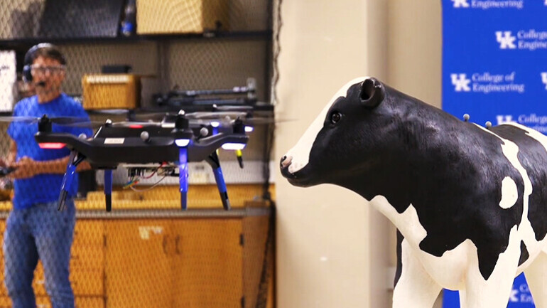 """""""소는 누가 키우나?"""" 美켄터키 대학, 동물관리 드론 프로젝트"""